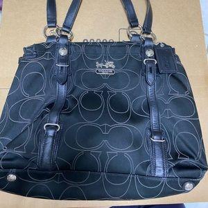 Coach monogram shoulder bag/handbag